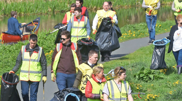 Glasgow Science Centre- Interview with Renfrewshire Council's Team Up to Clean Up.